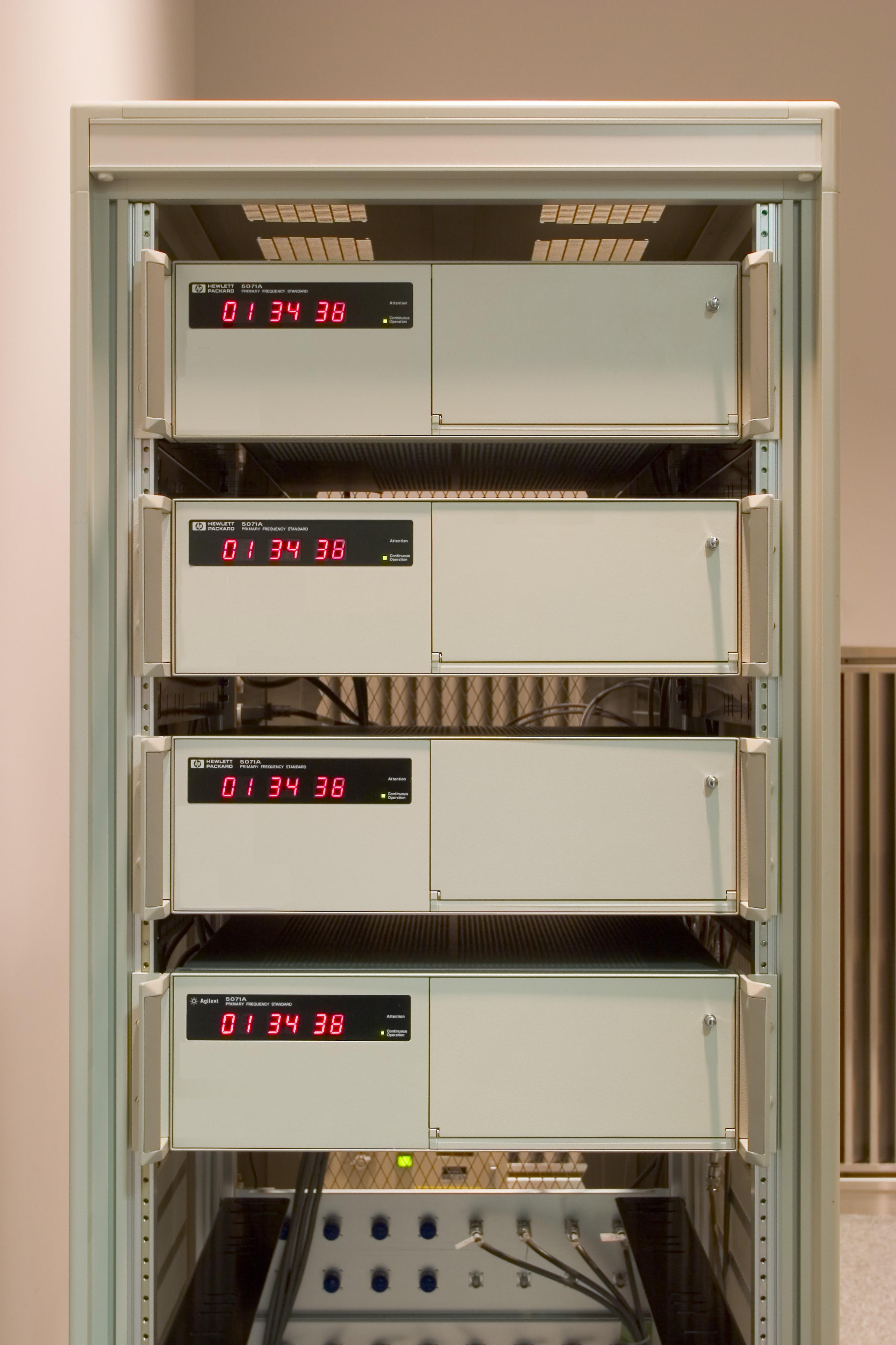 日本標準時プロジェクト 日本標準時と標準電波送信所の写真集